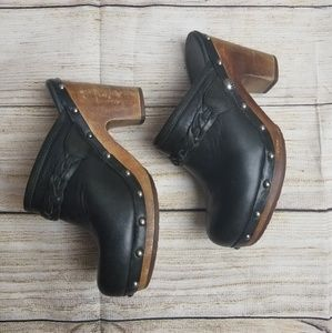 Kaylee Ugg leather clogs